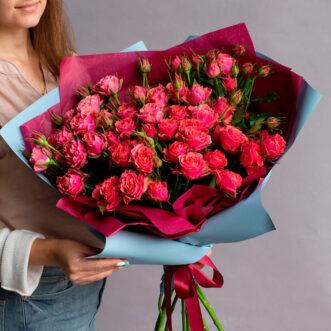 Букет из 11 красных кустовых роз