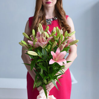 Букет из 9 розовых лилий