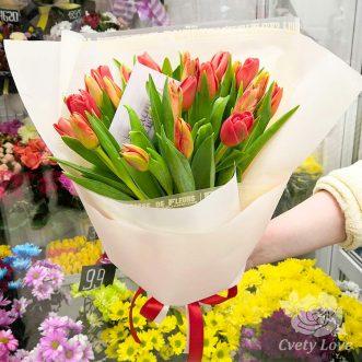 Букет из 23 тюльпанов