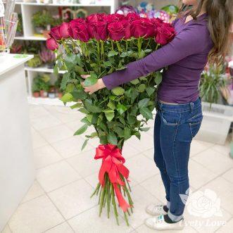 Букет из 25 высоких роз