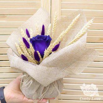 Букет из стабилизированной розы и пшеницы