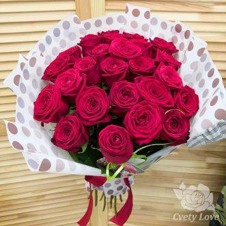 Букет из 25 красных роз 70 см