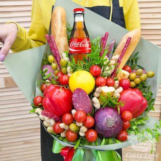 Букет из колбасы, овощей и арахиса