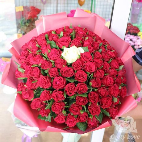 Букет из 101 российской розы 40 см