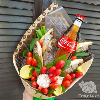 Букет из 5 сушеных рыб и напитка