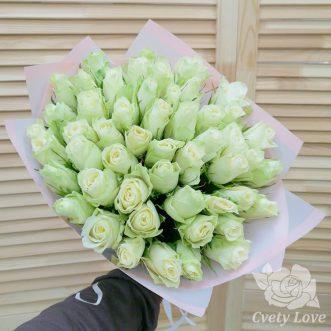 Букет из 51 белой кенийской розы